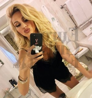Razika escort girl in Lodi